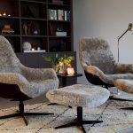 Blackbird Arrangement Armchair Footstool Aniline Black Sheepskin Green Tea 3