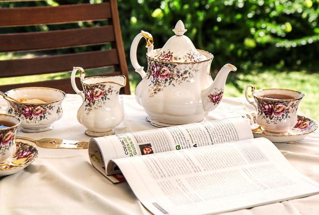 garden-teapot-teacup-magazine-table