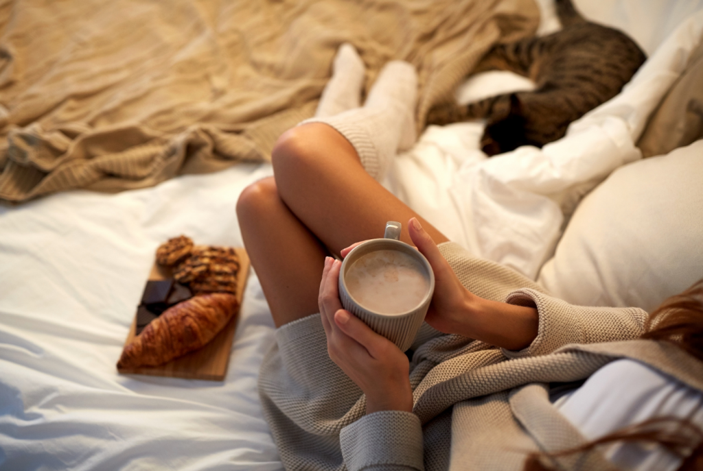 cosy-girl-with-hot-chocolate